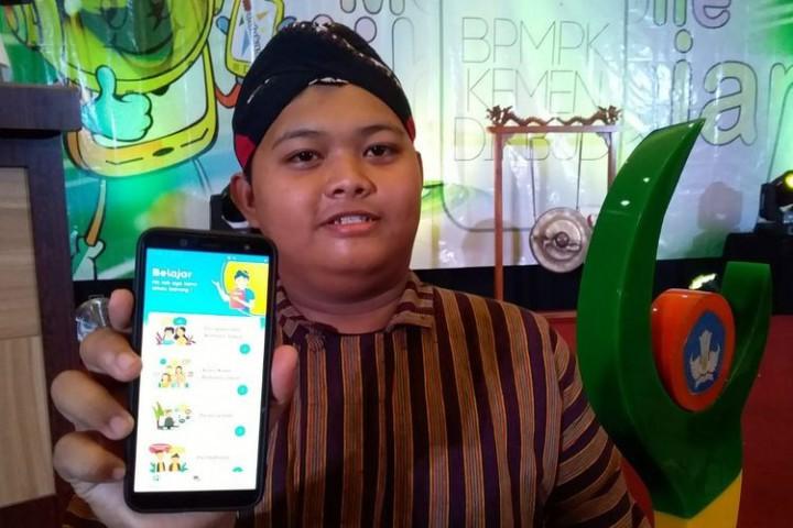 Siswa SMK Ini Ciptakan Si Bowo, Aplikasi Belajar Bahasa Jawa