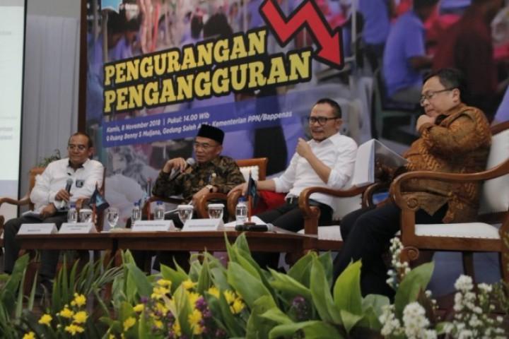 Revitalisasi SMK Turunkan Pengangguran di Indonesia